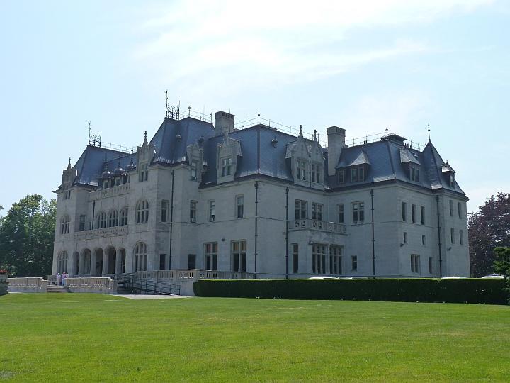 Newport-Herrenhaus1