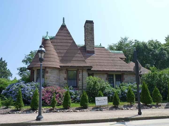 Newport-Herrenhaus4