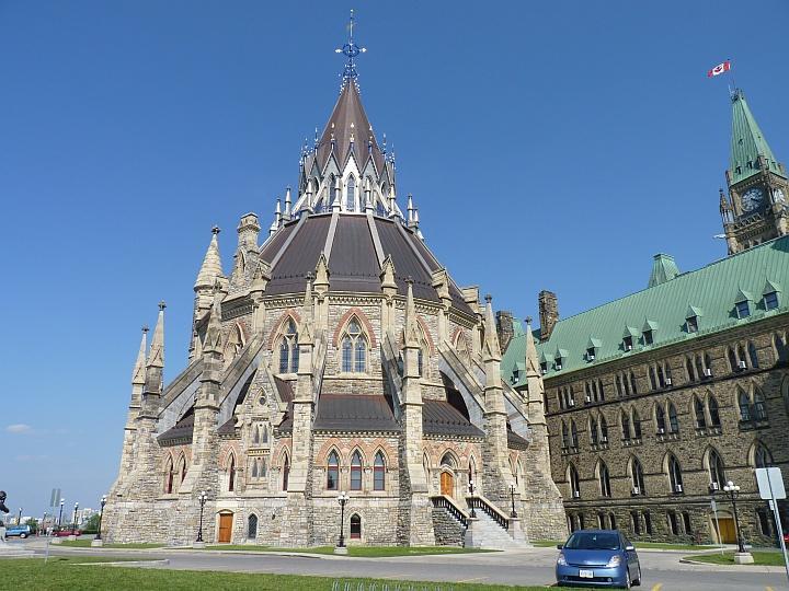 Ottawa-Parliament-Hill-2