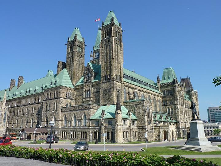 Ottawa-Parliament-Hill-3