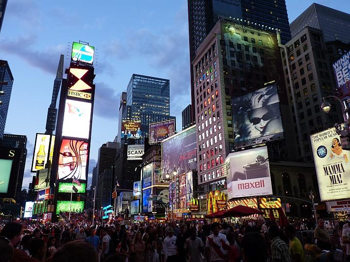 Times-Square-nacht1