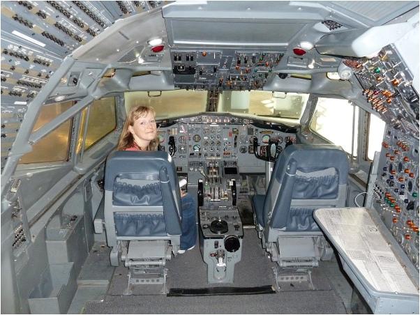 727-Cockpit