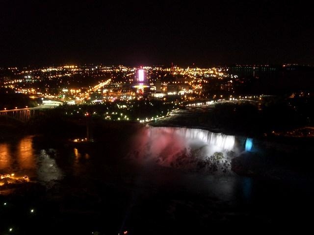 American Falls beleuchtet
