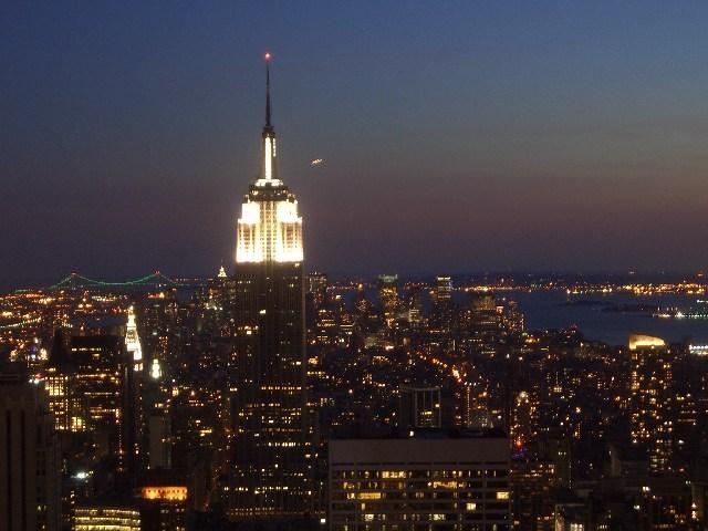 NY Empire bei Nacht