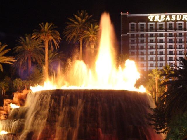 Vulkanausbruch am Mirage Hotel Las Vegas