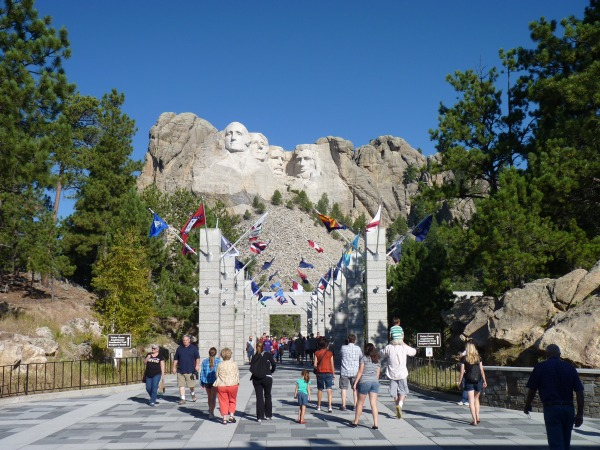 Avenue of Flags Mount Rushmore