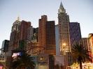 Fasade des New York - New York bei Nacht