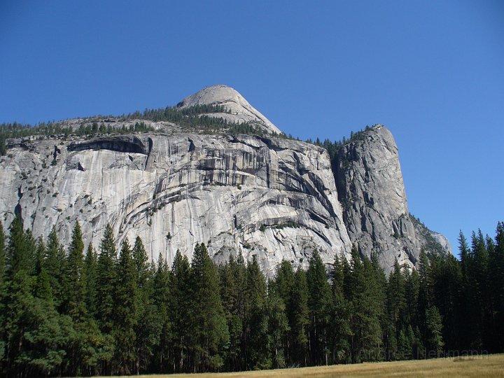 Eine steile Felswand im Yosemite Valley